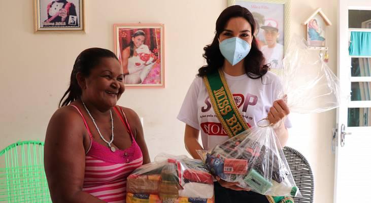 Miss Universo Brasil Júlia Gama participa de ação emergencial de apoio a famílias atingidas pela hanseníase em Itaboraí/RJ