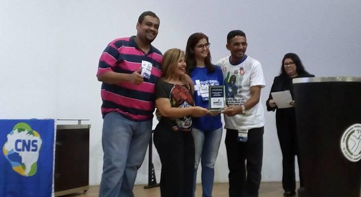 Morhan recebe prêmio por políticas públicas inclusivas em Congresso Internacional da Rede Unida
